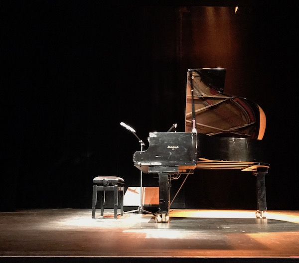 The Piano Man – Live